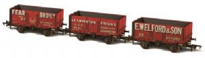 Oxford Rail 76MW7029 7 Plank Mineral Wagons, Weathered (3-Wagon Pack)